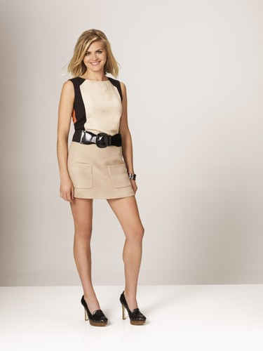 Eliza কুপ ~ 'Happy Endings' Season Two Promotional Photoshoot