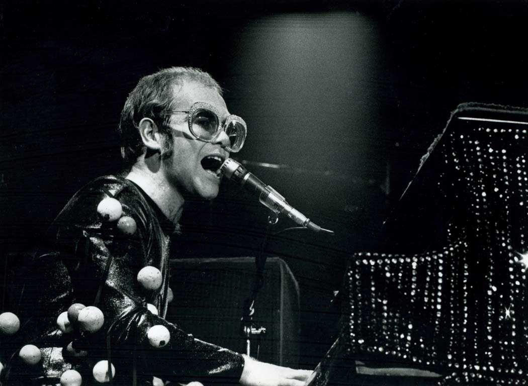 Most Inspiring Wallpaper Music Person - Elton-John-1970s-music-29251810-1050-768  Best Photo Reference_651046.jpg