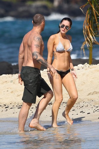 In Hawaii with Brian - 02/19/12