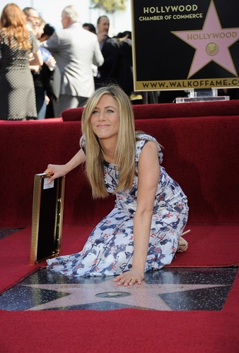 Jennifer Aniston Getting Her 별, 스타 On The Hollywood Walk Of Fame [22 February 2012]