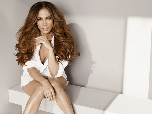 Jennifer Lopez wallpaper possibly containing bare legs, tights, and a well dressed person entitled Jennifer Lopez - Bikini