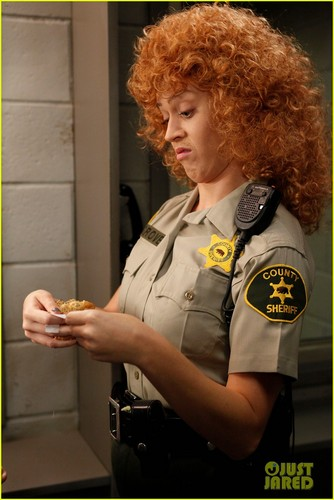 Katy Perry on 'Raising Hope' - First Look!