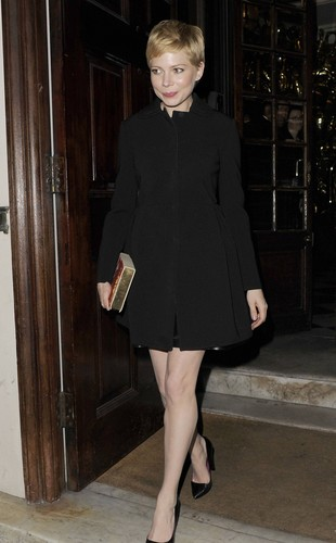 "Michelle Williams - ""Mulberry"" Private رات کے کھانے, شام کا کھانا - (19.02.2012)"