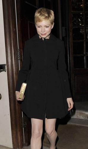 """Michelle Williams - """"Mulberry"""" Private dîner - (19.02.2012)"""