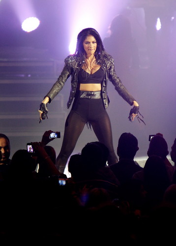 Performs at HMV Hammersmith Apollo in London [19 February 2012]