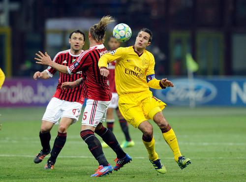 R. camioneta, van Persie (AC Milan - Arsenal)