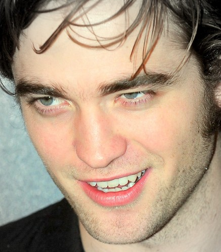 Robert Pattinson wallpaper with a portrait entitled Rob:)