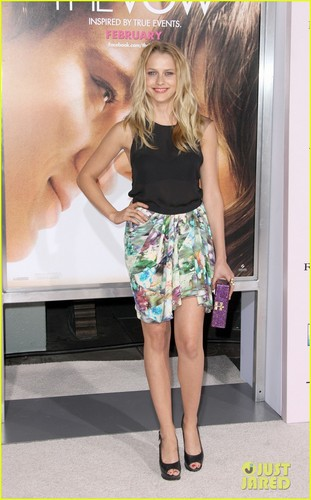Teresa Palmer: Vanities & The Vow