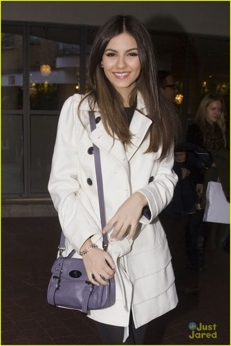 Victoria Justice: Mission Impossible in Londres