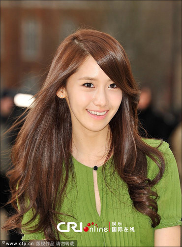 Yoona @ burberry Prorsum 2012 FW