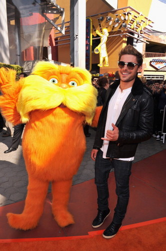 Zac Efron and Taylor rapide, swift - O Lorax Primiera