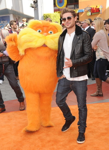 Zac Efron and Taylor schnell, swift - O Lorax Primiera