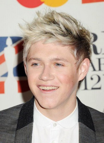 niall at the brits