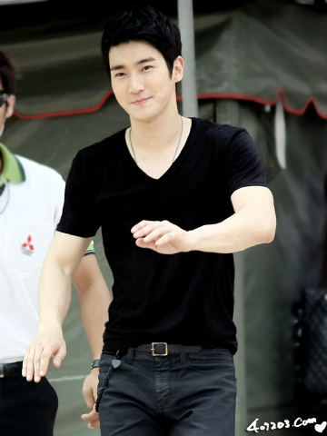 Super Junior karatasi la kupamba ukuta probably containing a tennis player and a tennis pro entitled ♥♥Siwon♥♥