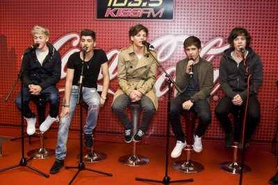 1D at Kiss FM radio in Chicago x