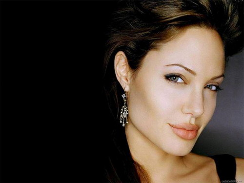 Angelina Jolie wallpaper containing a portrait called Angelina