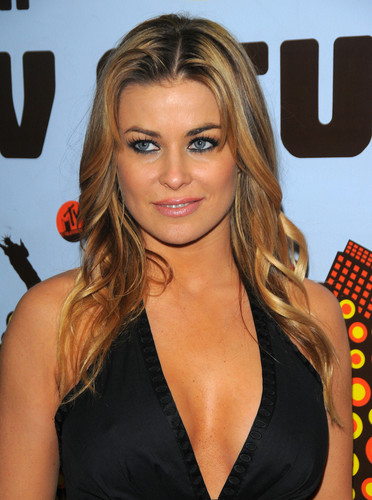 Carmen Electra wallpaper probably with a sign, a street, and a portrait called Carmen - Mix