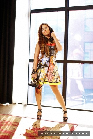 Demi Lovato's Latina Magazine Photoshoot [NEW PICS]