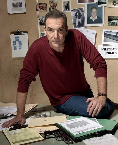 Fallen TV Characters wallpaper with a sign and a newspaper called Jason Gideon
