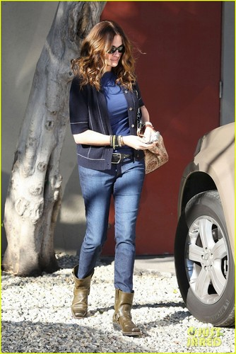 Julia Roberts: Meryl Streep's Daughter in 'August' - julia-roberts Photo
