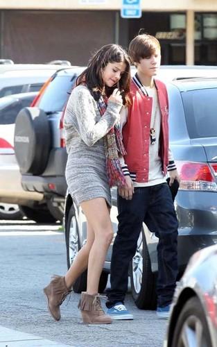 Justin Bieber and Selena Gomez Movie تاریخ