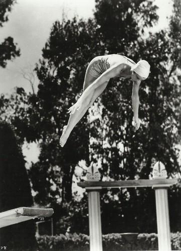 Katharine Hepburn - Jump!