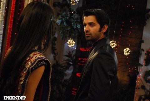 Iss Pyar Ko Kya Naam Doon wallpaper entitled Khushi and Arnav