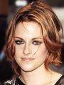 Kristen Stewart's pretty makeup