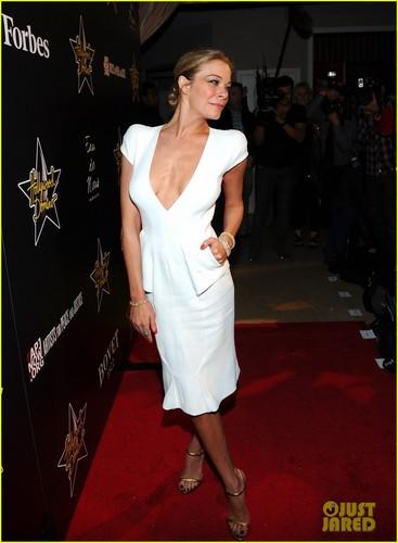 LeAnn Rimes: Hollywood Domino Gala!
