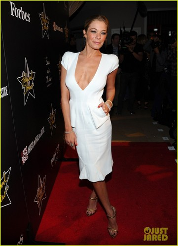 LeAnn Rimes: Hollywood Domino Gala!