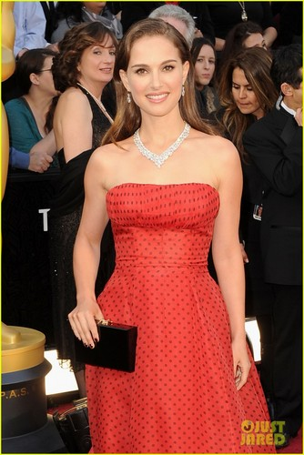Natalie Portman & Benjamin Millepied - Oscars 2012 Red Carpet