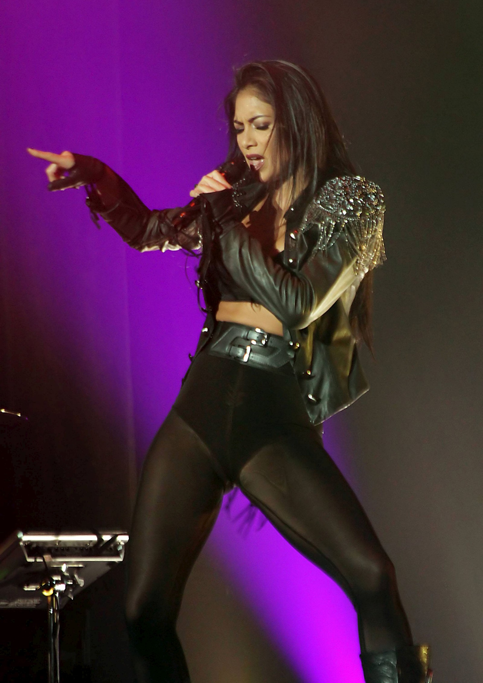 Nicole Scherzinger Performs Live in Manchester [22 February 2012]