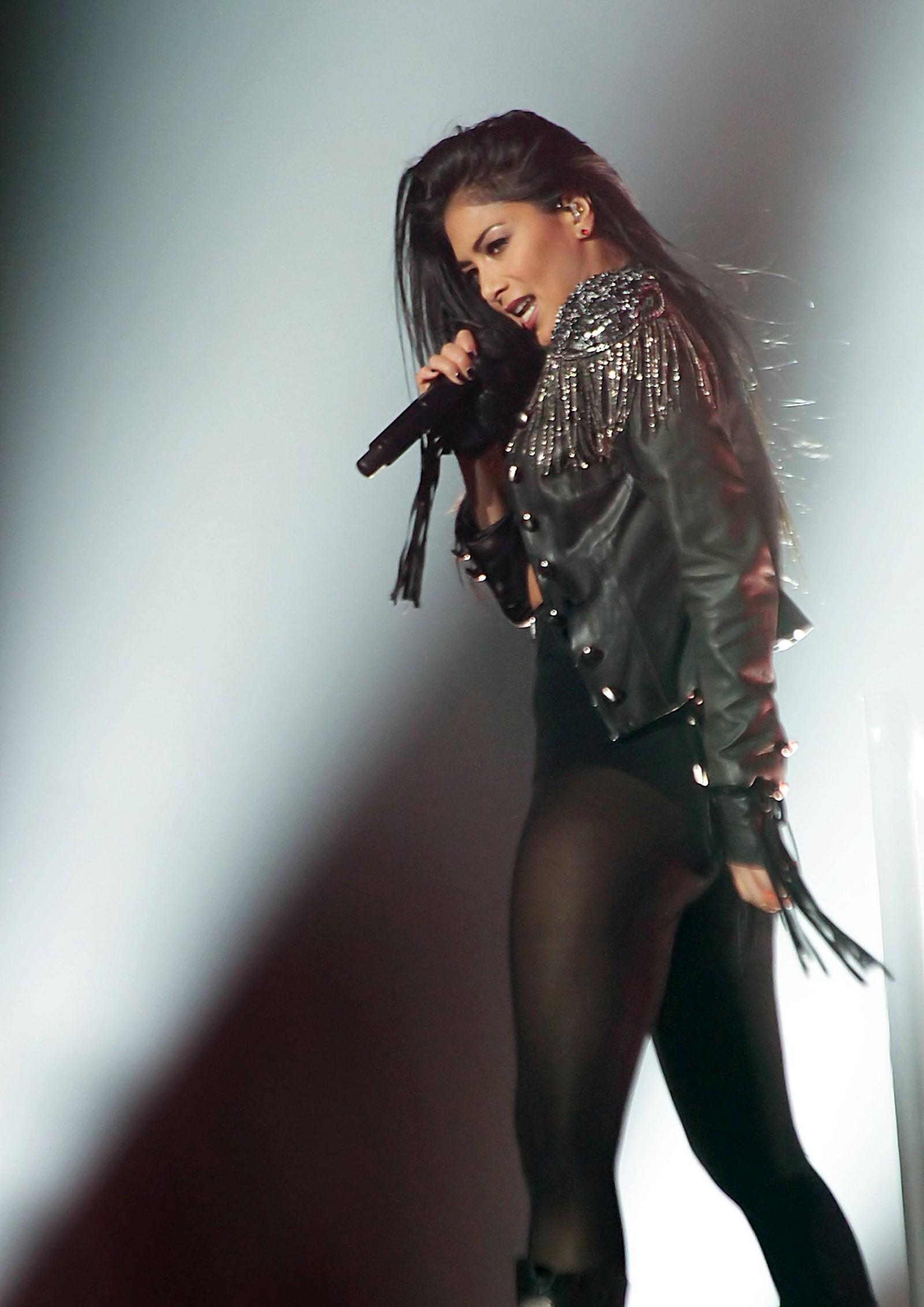 Nicole Scherzinger Performs Live in Manchester [22 February 2012]