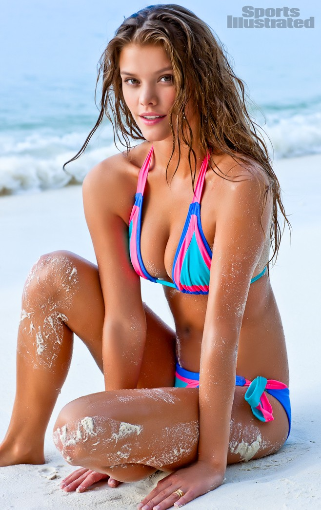 Nina Agdal 2012 issue