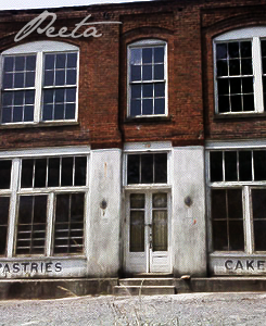 Peeta's Bakery - the-hunger-games Photo