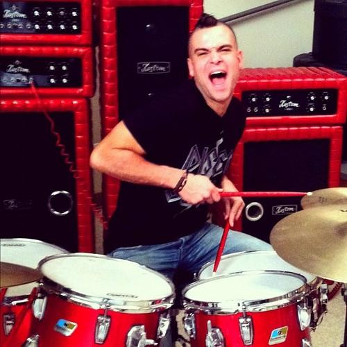 Puck drumming