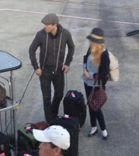 Ryan and Blake arriving at the airport - blake-lively-and-ryan-reynolds Photo