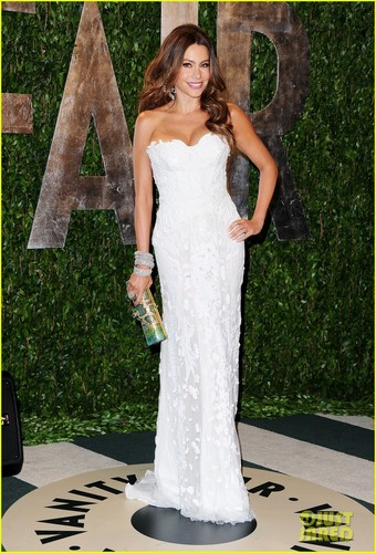 Sofía Vergara images Sofia Vergara: Vanity Fair Oscar Party With Nick Loeb! HD wallpaper and background photos