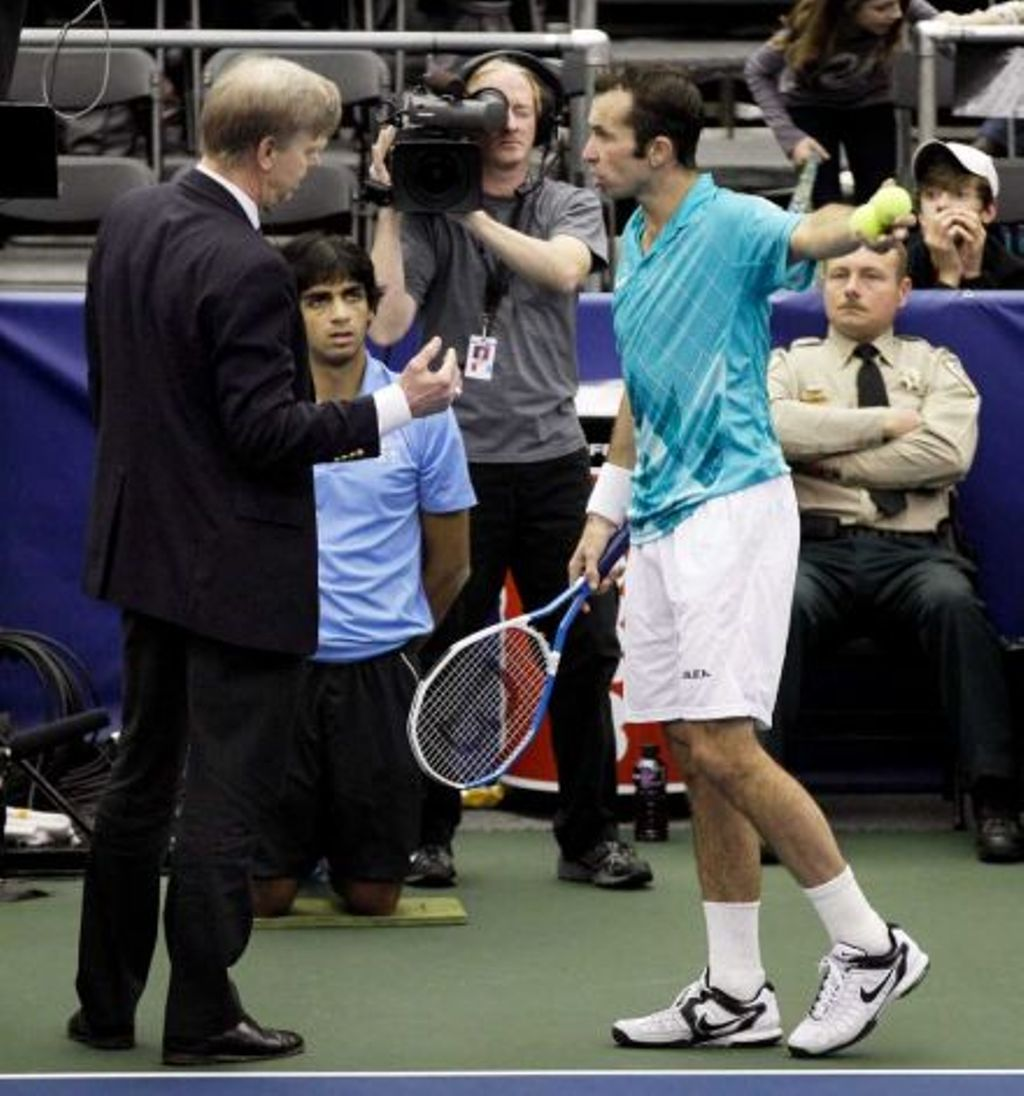 Stepanek dicho about Melzer: That bastard had my wife Nicole in cama front of me !