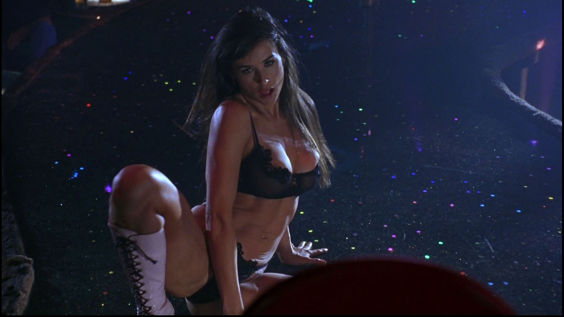 Demi Moore Striptease Videos - Metacafe
