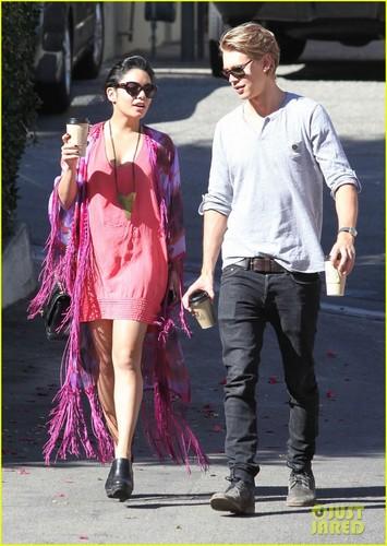 Vanessa Hudgens & Austin Butler: Aroma Cafe Couple