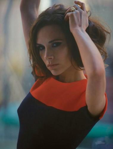 Victoria Beckham: Le Figaro Madame - 2012