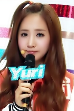 Yuri <3