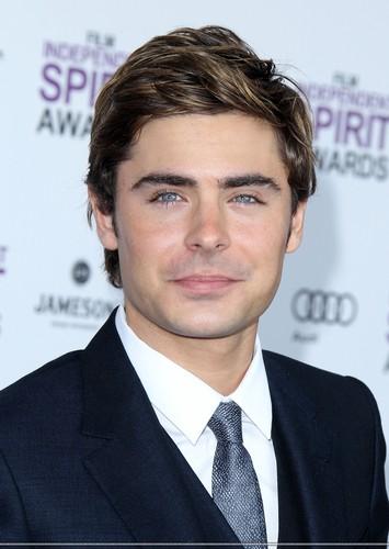 Zac Efron - Spirit Awards 2012 Red Carpet (HQ)