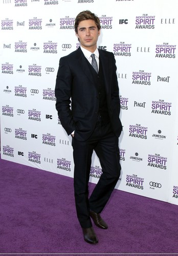 Zac Efron - Spirit Awards 2012 Red Carpet (HQ)