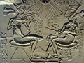 akhenaten_nefertiti_and_their_children - ancient-aliens wallpaper