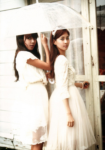 snsd sooyoung and seohyun