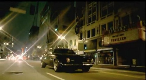 """Palace Theater"" on the ""One Love"" 음악 video of David Guetta and Estelle"