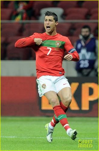 Cristiano Ronaldo Has 'Ambition to Win' Euro 2012