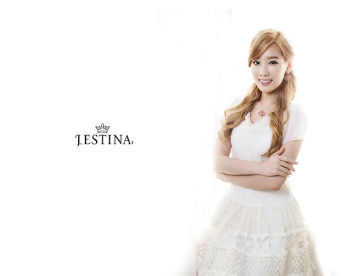 Girls' Generation Taeyeon J.Estina